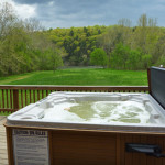 Hot tub at Sinker cabin