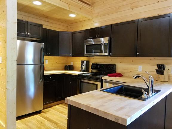 River Lure full kitchen